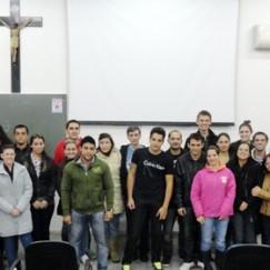 Mais de 20 pessoas participam do curso de iniciação cristã na Paróquia