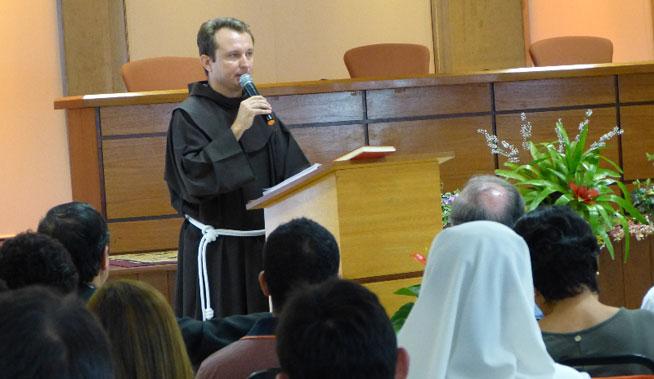 Frei João Reinert prega o Tríduo em honra ao Padroeiro de Gaspar
