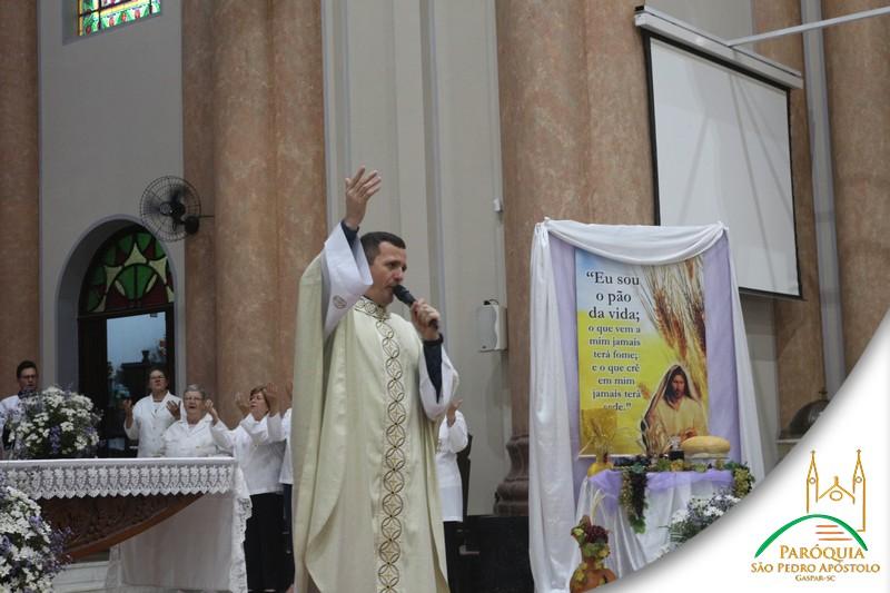 Primeira comunhão no sábado (24) na Paróquia