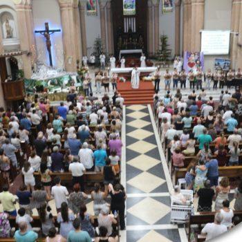 Novena dedicada às famílias reunidas juntas em um momento de fé