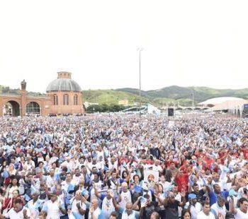 Terço dos Homens: quase 80 mil participam da maior romaria do Santuário de Aparecida
