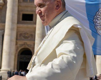 Papa Francisco envia doação de 100 mil euros por terremoto na Albânia