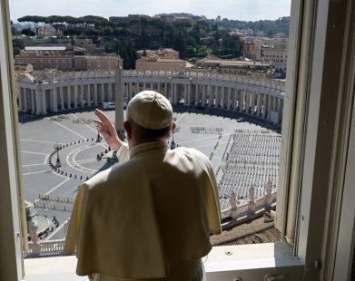 """""""Só poderemos sair dessa situação juntos, a humanidade unida"""", diz o Papa"""