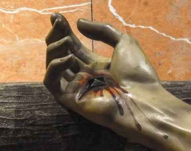 A Chaga da Mão Direita de Jesus e a virtude da caridade