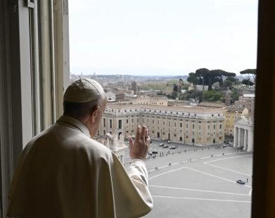 Papa: prudência ao sair da quarentena
