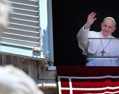 Papa: o medo é um dos inimigos mais feios da nossa vida cristã