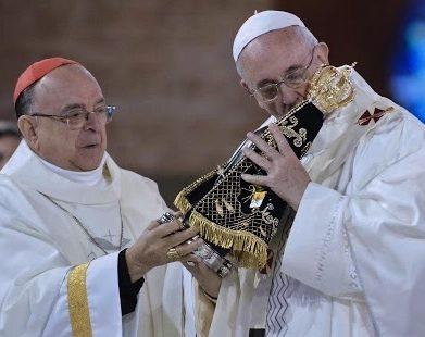 Em telefonema a Aparecida, Papa expressa solidariedade ao Brasil
